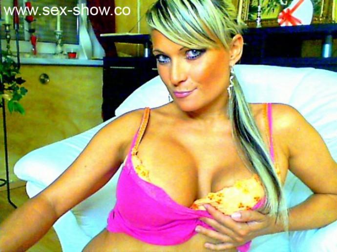 Geiles Sex Girl Tatjana24 fickt bei unserer Live Cam